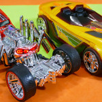 Hot Wheels Street Creeper and Hot Wheels Yur So Fast – Extreme Action Light and Sound Hyper Racers