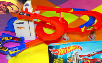 Auto Lift Expressway Hot Wheels Track